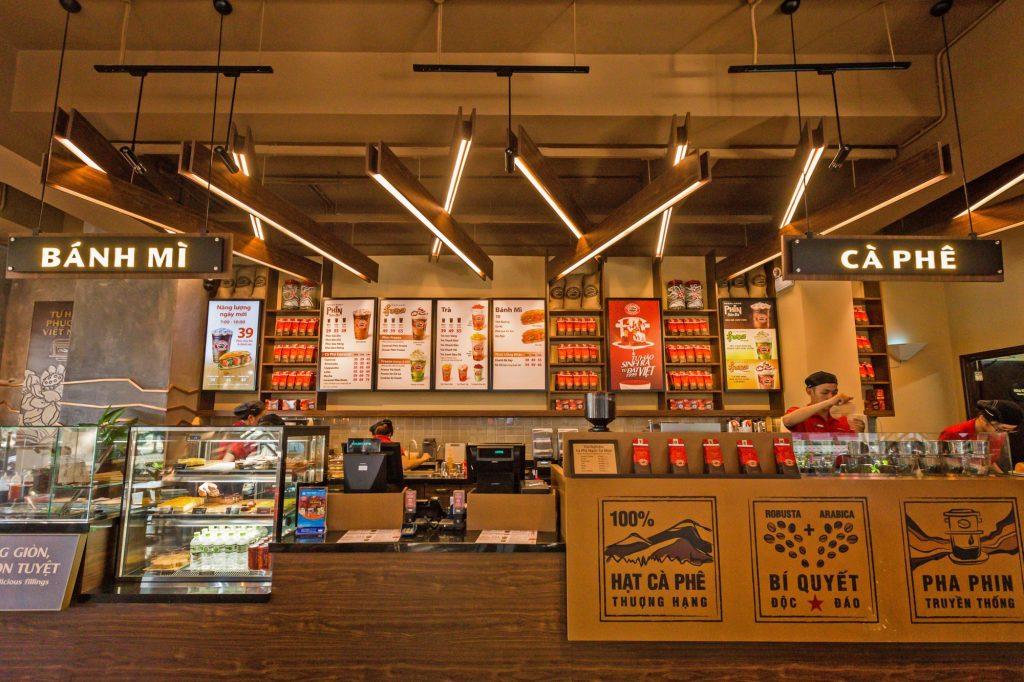 Không gian thiết kế của giá nhượng quyền Highlands Coffee