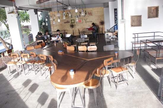 Không gian thiết kế của quán nhượng quyền cafe Thức
